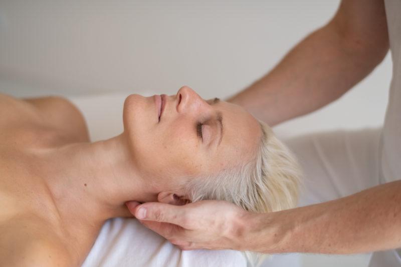 Kopf-Nacken Massage